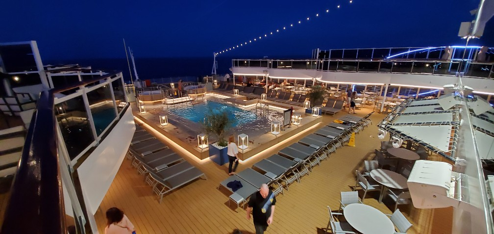 Aft Pool on Nieuw Statendam Just After Sunset