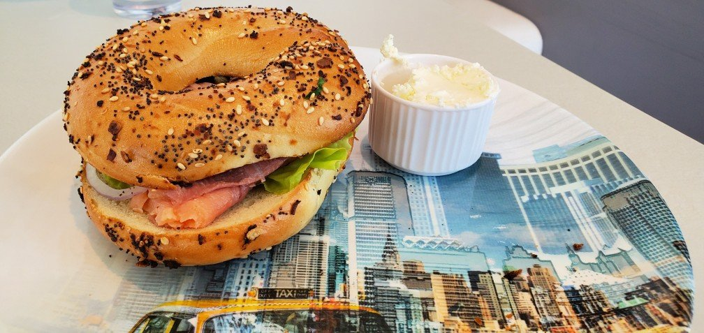 Bagel & Lox at New York Deli & Pizza on Nieuw Statendam