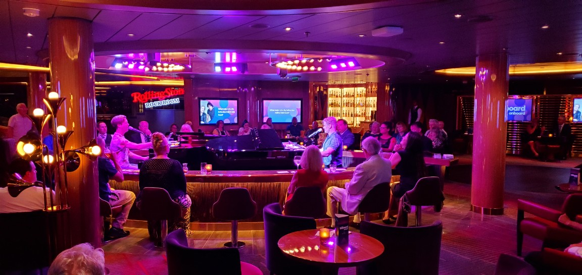 Dueling Pianos at Billboard Onboard on Nieuw Statendam