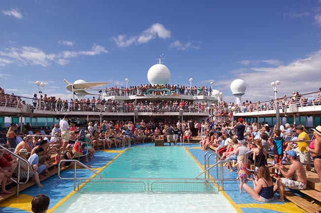 Crowded Pool Deck on Majesty of the Seas - Photo: RoyalCaribbeanBlog.com