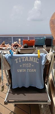 Deck Chair w/ Titanic Shirt