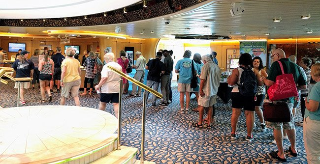 Long lines for shore excursions
