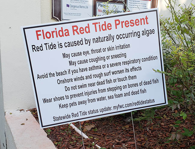 Red tide sign at Spanish River Park