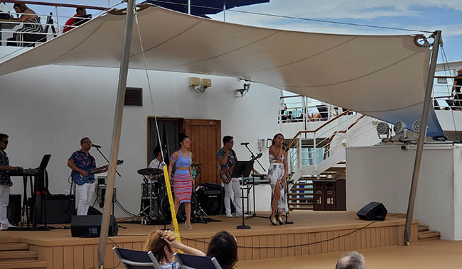 Manila Soul on Norwegian Sky Was Great - But Can They Also Juggle?