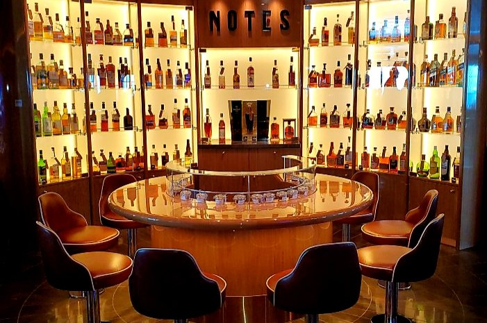 Notes Whiskey Bar on Holland America Line's Nieuw Amsterdam