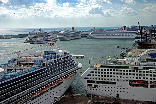How Much Does It Cost To Dock A Cruise Ship CruiseHabit - How much does it cost to buy a cruise ship