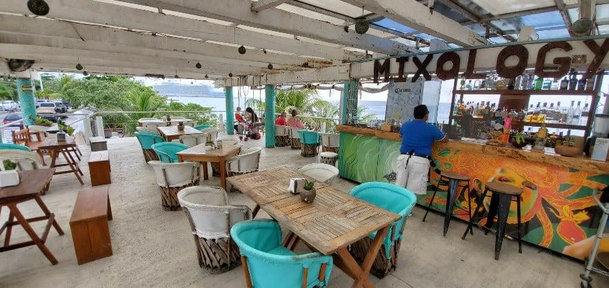 Turquoise Beach Bar